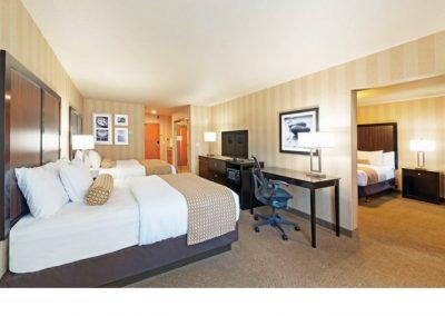 LaQuinta Boise Suites King & 2 Queen guestroom 02