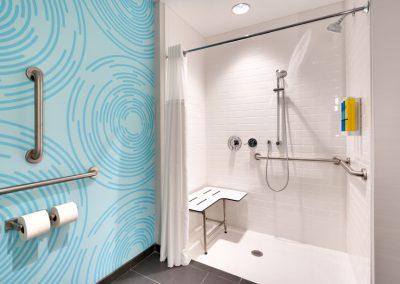 SGUUTRU-rm-ADA-roll-in-shower-01