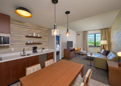 Residence_Inn_Marriott_Kapolei_Oahu0248_Rm350_ONQQ_Livingroom_Final