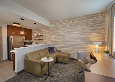 Residence_Inn_Marriott_Kapolei_Oahu0495_Rm336_STKT_LivingKitchen_Final-